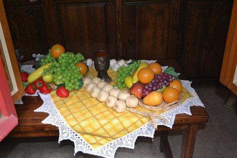 FOTKA - Druhá strana stolu
