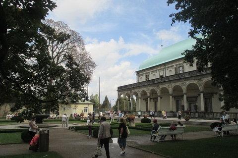 FOTKA - 9. ročník Vinobraní na Pražském hradě v Královské zahradě