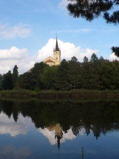 FOTKA - Zrcadlení - Evangelický kostel u Podměstského rybníka