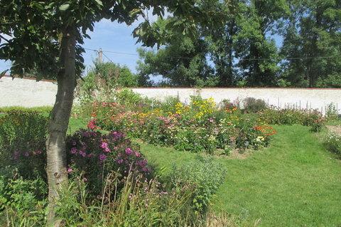 FOTKA - Ctěnický zámecký areál  -  Zámecké zahradnictví