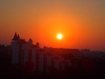 FOTKA - Turecko-v�chod slnka nad susedn�m hotelom