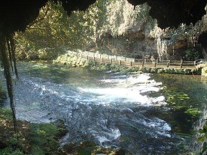 FOTKA - Turecko-pohľad z jaskyne na rieku