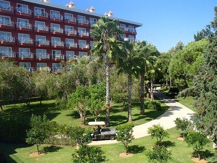 FOTKA - Turecko-časť zelenej záhrady v areáli hotela