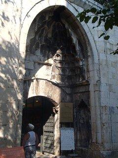 FOTKA - Turecko-vstup do jednej mešity v Antalyi