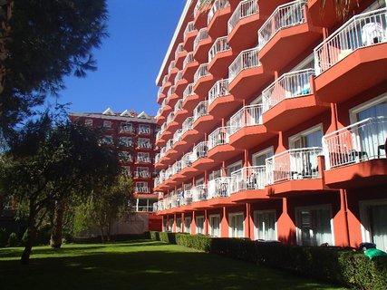 FOTKA - Turecko-bočný pohľad na jeden z traktov hotela