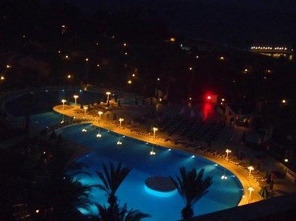 FOTKA - Turecko-večer pri bazénoch