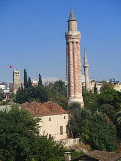 FOTKA - Turecko-jeden z minaretov v Antalyii