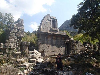 FOTKA - Turecko-pozostatky v meste Termessos, ktoré bolo zničené po zemetrasení