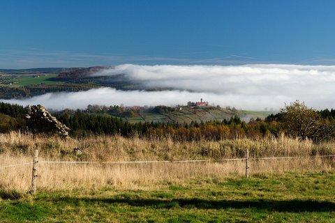 FOTKA - Hora sv.Kateřiny v mlze