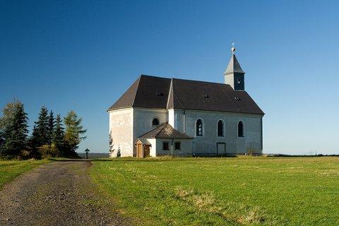 FOTKA - Kostel v Mal�m H�ji