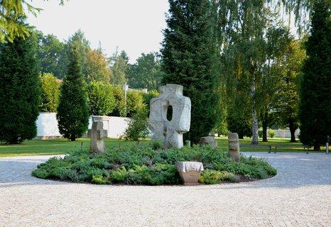 FOTKA - Hostinné -park po rekonstrukci