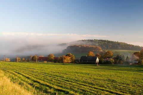 FOTKA - Z prosluněných hor zpátky do mlhy...