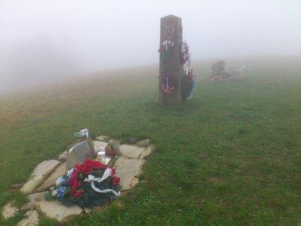 FOTKA - Říjen, výlet na Javořinu, pomníky