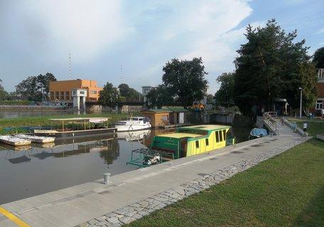 FOTKA - Baťův kanál a řeka Morava -přístav Spytihněv