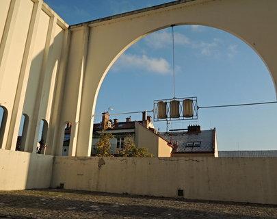 FOTKA - část Gočárova schodiště s lidovým názvem ,,U tří tupláků,,