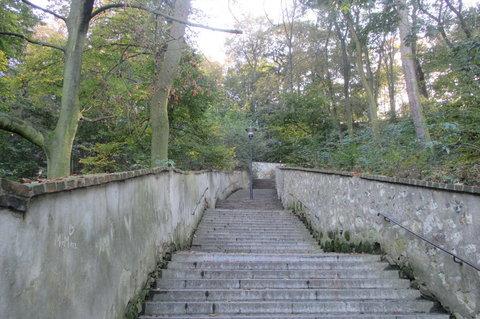 FOTKA - Po schodech na Petřín