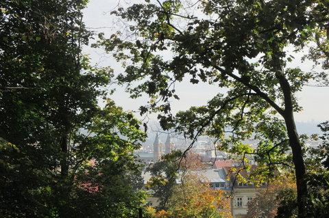FOTKA - Výhled na smíchovský kostel