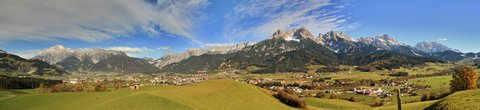 FOTKA - Vyhlídka Kühbühel a Ritzensee - Panorama Saalfeldenu