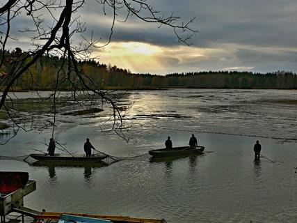 FOTKA - Těžká, ale zajímavá práce rybářů