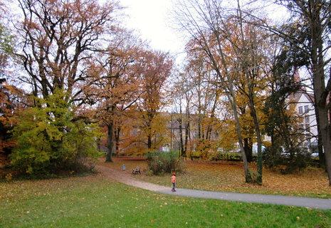 FOTKA - Burgfarnbach..v parku