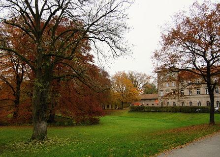 FOTKA - Burgfarnbach..v zámeckém parku
