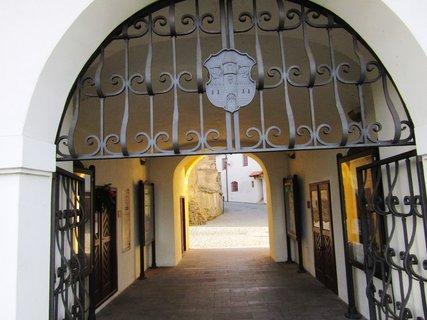 FOTKA - krásná brána hradu ve Strakonicích
