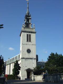 FOTKA - Nějaký kostelík u katedrály Sv. Pavla