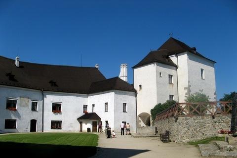 FOTKA - státní hrad- NOVÉ HRADY