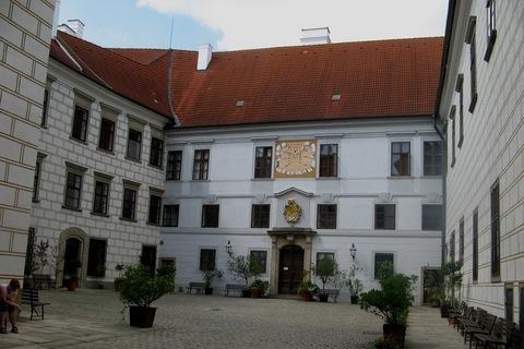 FOTKA - nádvoří zámku