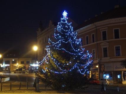 FOTKA - * Rozsvícený vánoční strom