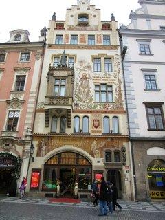 FOTKA - starý český dům, ale uvnitř asi ne české masáže