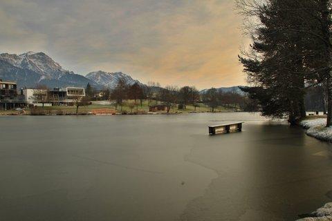 FOTKA - Začátek zimy na Ritzensee - Tato strana jezera je již zamrzlá
