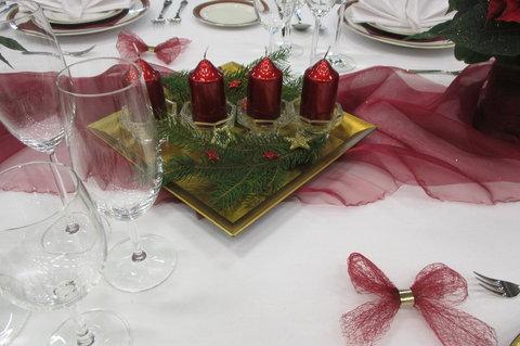 FOTKA - Stříbrné vánoční dny 2014 - soutěž o nej...prostřený  stůl