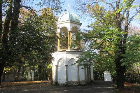 FOTKA - V ��jnu bylo kr�sn�, slune�no, zeleno...Pet��n, Kaple Kalvarie