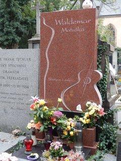 FOTKA - hrob W. Matušky, hřbitov na Vyšehradě
