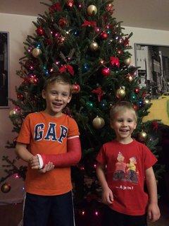 FOTKA - vnoučcí a stromeček
