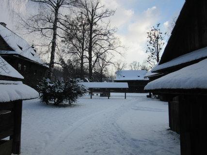 FOTKA - Valašské muzeum v přírodě, všude bílo