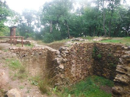 FOTKA - kunraticky hrad z inej strany