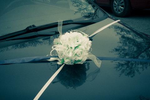 FOTKA - Svatební :   nazdobené auto