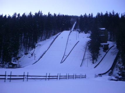 FOTKA - Skokan na lyžích při letu