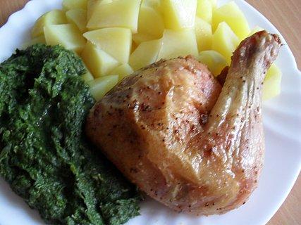 FOTKA - Pečené kuře, špenát, brambor