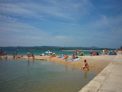 FOTKA - Pláž se pomalu zaplnuje