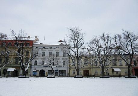FOTKA - zasn�en� Masarykovo n�m. v UH