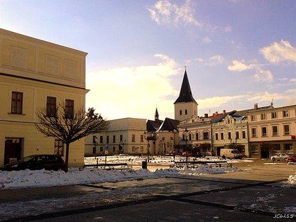 FOTKA - n�m�st� Karvin�, kostel svat�ho Marka