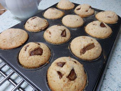 FOTKA - jogurtové muffiny s kousky čokolády