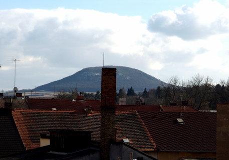 FOTKA - Dnešní pohled z okna do dvora