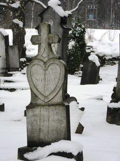 FOTKA - Ostružná.. náhrobek