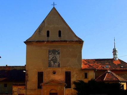FOTKA - Kaple sv.Václava na zámku je zdevastovaná...