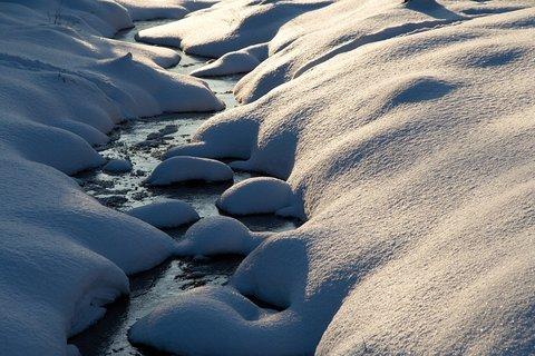 FOTKA - Potůček pod sněhem