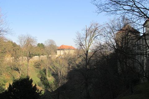 FOTKA - Pohled z ul. U Prašného mostu